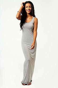 Se  Petite Sandy Scoop Neck Maxi Dress ved Boohoo.com