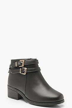Se  Wide Fit Double Buckle Chelsea Boots ved Boohoo.com