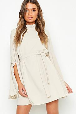 Se  Boho High Neck Wide Sleeve Shift Dress ved Boohoo.com