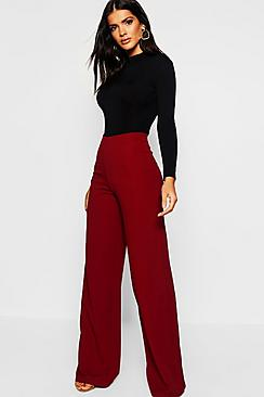 Se  High Waist Basic Crepe Wide Leg Trousers ved Boohoo.com