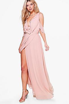Se  Chiffon Frill Wrap Maxi Bridesmaid Dress ved Boohoo.com