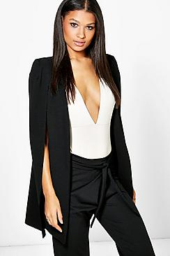 Se  Longline Tailored Crepe Cape ved Boohoo.com