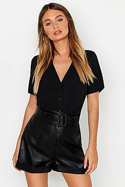 Se  Short Sleeve Button Through Blouse ved Boohoo.com