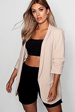 Se  Plus Ruched Sleeve Blazer ved Boohoo.com