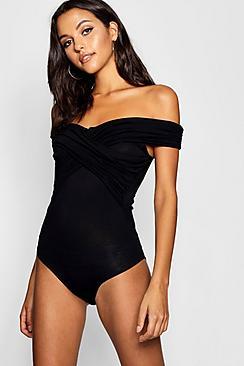 Se  Tall Bardot Ruched Detail Bodysuit ved Boohoo.com