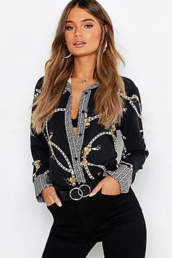 Se  Geo Contrast Chain Print Shirt ved Boohoo.com