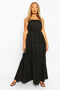 Se  Tiered Strappy Maxi Dress ved Boohoo.com