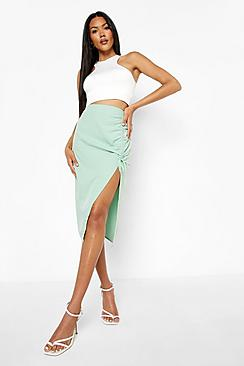 Se  Woven Ruched Detail Midi Skirt ved Boohoo.com